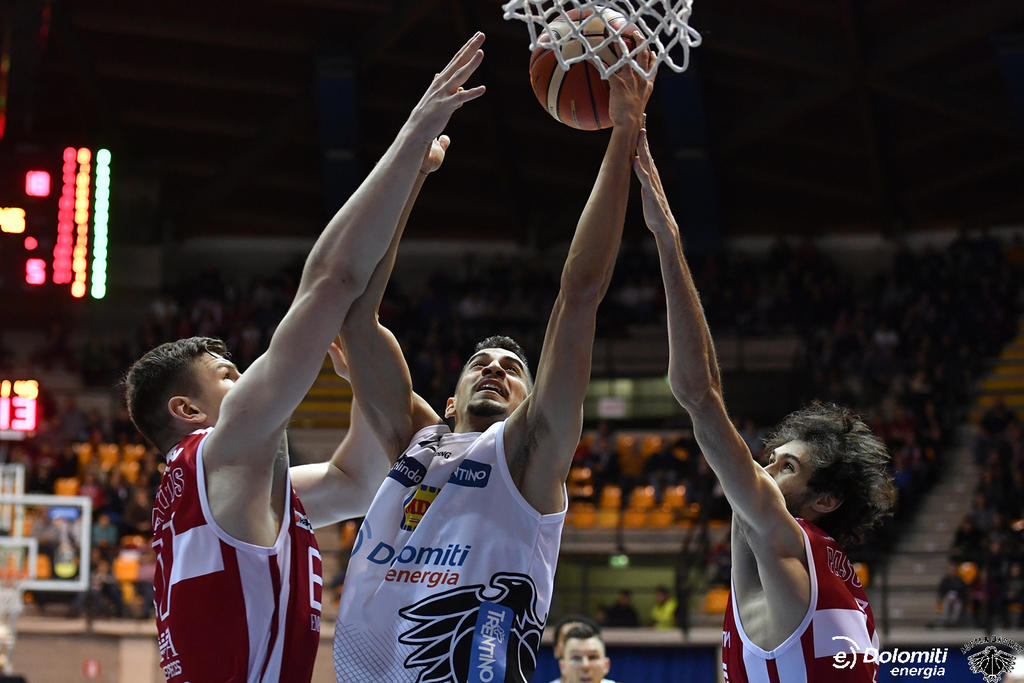 Kết quả hình ảnh cho EA7-Emporio Armani Milano vs Aquila Basket Trento